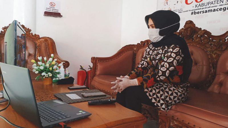 Wakil Bupati Kabupaten Seruyan Hj Iswanti saat menyampaikan Laporan Keterangan (LKPJ) Tahun Anggaran 2019 Kepada DPRD setempat melalui Video Conference, Jumat (1/5/2020). Foto : Ro