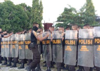 Ditsamapta Polda Kalteng sedang berlatih pengendalian massa (Dalmas), Jumat (8/5/2020). Foto : Am