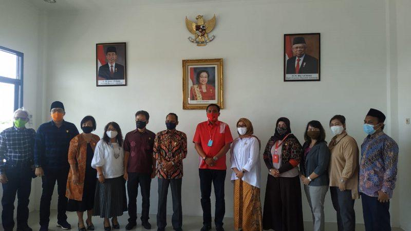 Tim Panitia khusus DPRD Kalteng pada saat berkunjung ke kantor DPD PDI Perjuangan Kalteng, Rabu (27/5/2020). Foto : Ra