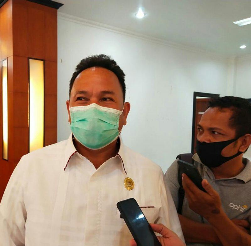 Ketua DPRD Mura Doni SP. M.Si saat memberikan keterangan kepada awak media.