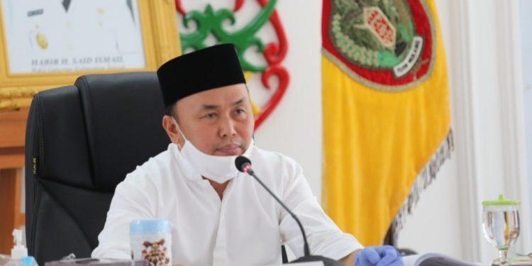 Gubernur Kalteng Sugianto Sabran saat memberikan keterangan resmi Jumat (22/5).