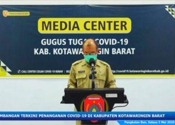 Jubir Gugus Tugas Achmad Rois saat memberikan keterangan resmi Selasa (5/5).