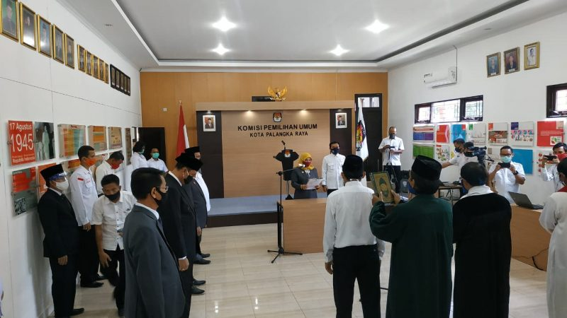 KPU Kota Palangka Raya pada saat pelaksanaan pelantikan Anggota PPS, Senin (15/6/2020). Foto : Ra