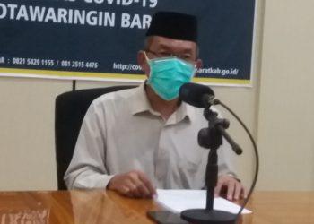 Juru Bicara Gugus Tugas Kobar Achmad Rois saat memberikan keterangan resmi Senin (1/6) malam.