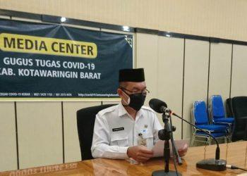 Juru Bicara Gugus Tugas Kobar Achmad Rois saat memberikan keterangan resmi Rabu (3/6) malam.