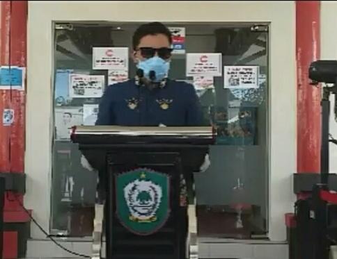 Ketua Gugus Tugas Supian Hadi saat menyampaikan perkembangan terbaru kasus Covid-19 di Kotim, Kamis (4/6).
