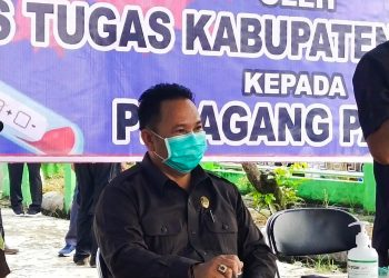Ketua DPRD Mura Doni SP. M.Si saat memberikan keterangan kepada awak media, Jumat (5/6).