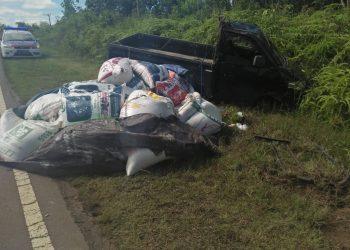 Kecelakaan lalu lintas yang melibatkan Pikap dan sepeda motor di Desa Hampalit, Kereng Pangi, Kabupaten Katingan. Foto : MI