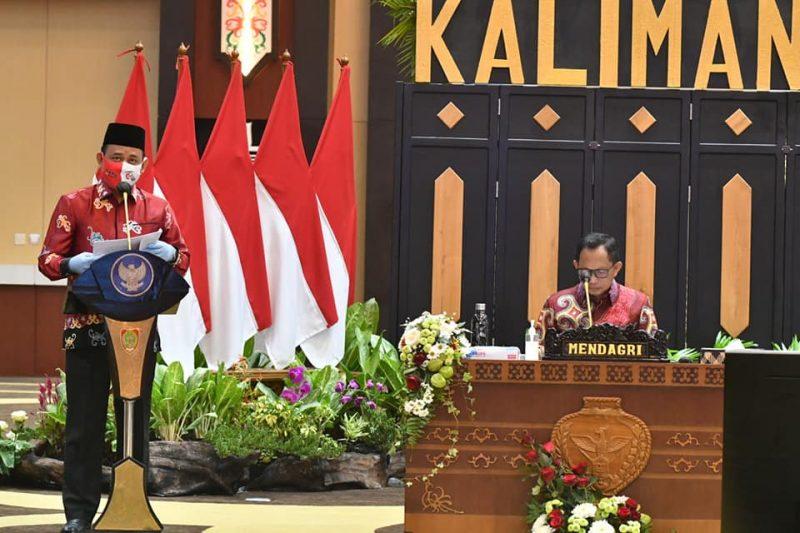 Ketua KPU Kalteng H Harmain Ibrahim sampai menyampaikan paparan terkait kesiapan KPU dalam penyelenggaraan Pilkada 2020 Provinsi Kalteng kepada Mendagri Tito Karnavian, Minggu (19/7/2020). Foto : dok KPU