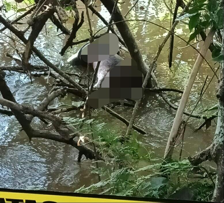 Jasad korban saat mengapung di sungai ketika ditemukan tim Kamis (16/7)