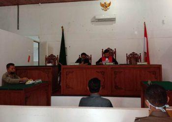 Suasana sidang Tindak Pidana Ringan di PN Nanga Bulik, Jumat (24/7).