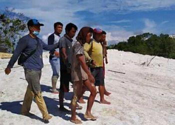 Keempat orang pelaku Peti saat digiting anggota Satreskrim Polres Kapuas, akhir pekan lalu.