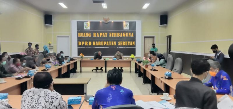 Pimpinan dan anggota DPRD Banjar Baru saat lakukan kunker ke DPRD Seruyan Terkait Pendidikan. Foto : Ro