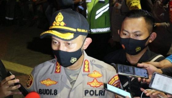 Kapolres Metro Jakarta Selatan Kombes. Pol. Budi Sartono saat memberikan keterangan kepada awak media, Minggu (23/8) dini hari.