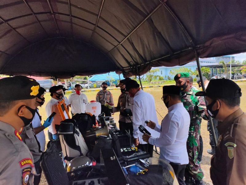 Kapolres Katingan, AKBP.Andri Siswan Ansyah, cek kesiapan sarpras saat apel gelar pasukan. Foto : Humas Polres Katingan For KE