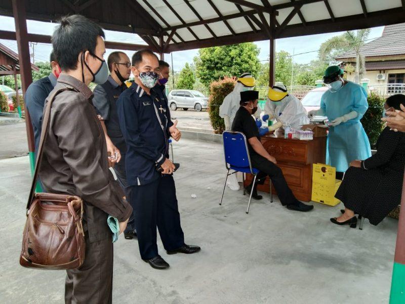 Sebanyak 24 Anggota DPRD Katingan, jalani Rapid Tes dan Swab. Foto : MI