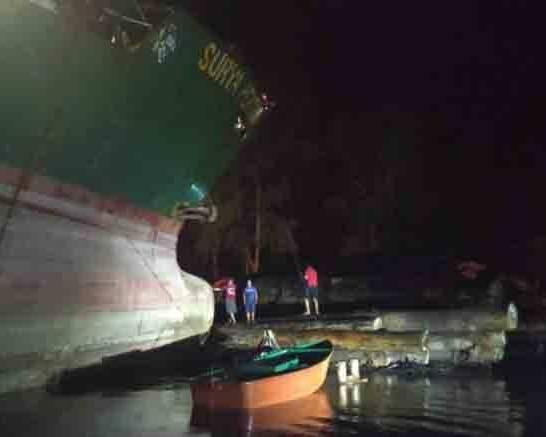 IST- Salah satu kapal saat tambat seusai kejadian Rabu (9/9) malam.