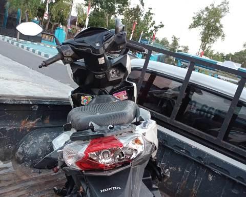 Sepeda motor korban saat diamankan seusai kejadian Senin (31/8).