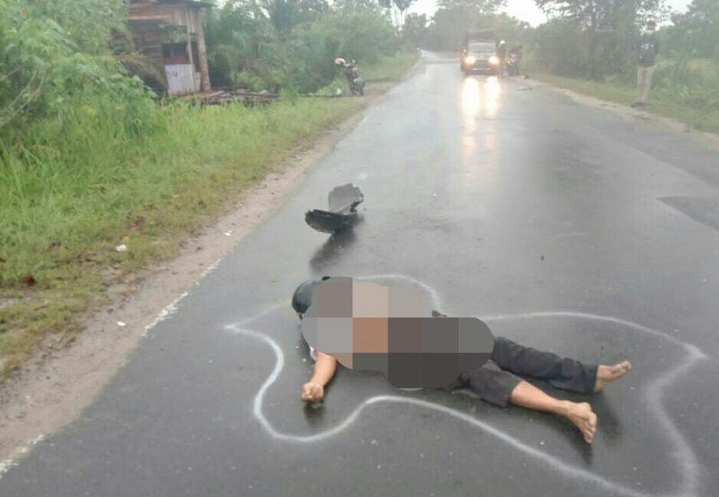 Jasad korban saat masih tergeletak di ruas jalan Mahir Mahar seusai kejadian Kamis (3/9).