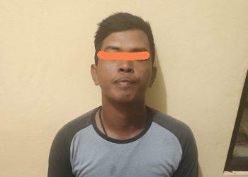 Pelaku Peji (27) saat berhasil diringkus Resmob Polres Seruyan dan Polsek Seruyan Hilir usai gagal menjambret seorang perawat di Kuala Pembuang. Sabtu (12/09/2020).