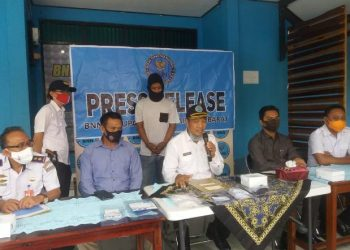 Kepala BNNK Kobar I Wayan Korna saat menggelar press release Selasa (22/9).
