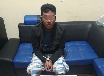 Tersangka saat diamankan di Mapolda Kalteng Sabtu (26/9).