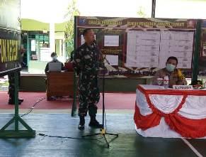 Dandim 1015/Spt, Letnan Kolonel CZI Akhmad Safari, saat menyampaikan sambutannya.