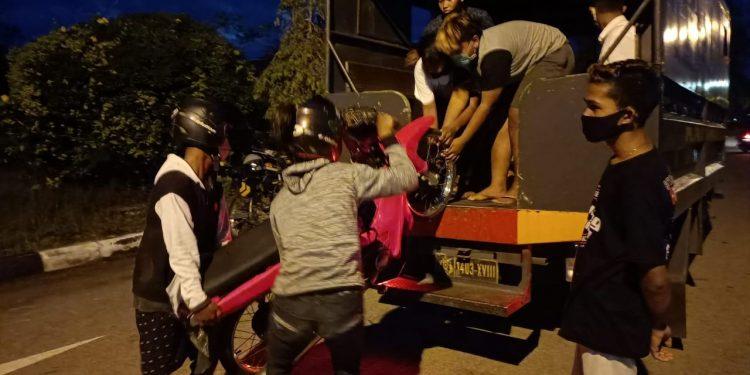 Pebalap liar di Palangka Raya ditertibkan aparat Ditsamapta Polda Kalteng, Minggu (11/10/2020) sore. Foto : Am
