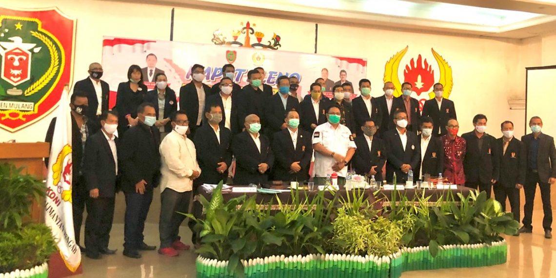 Para pengurus KONI Kalteng, usai menggelar rapat pleno, Kamis (22/10/2020). Foto : Ra