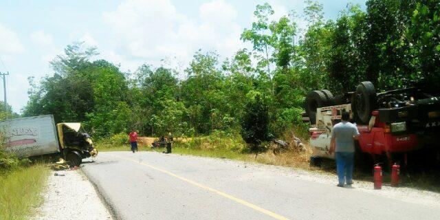 Kedua truk saat ,mengalami kerusakan seusai kejadian, Rabu (11/11)