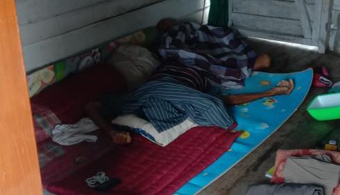 Jasad korban saat tergeletak di pondok seusai ditemukan Senin (16/11)