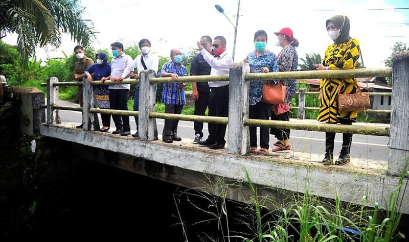 Jajaran wakil rakyat Dapil II Kecamatan Jekan Raya, pada saat melakukan reses dan peninjauan di ruas Jalan Beliang Kota Palangka Raya.Foto : Ra