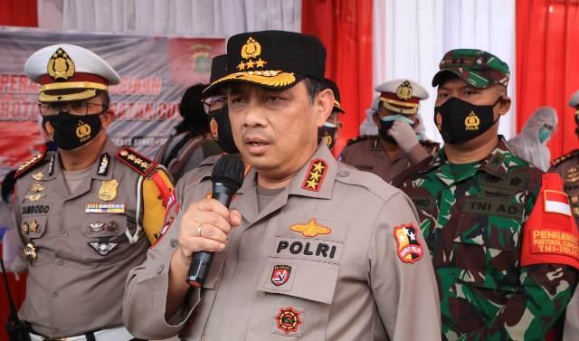 Wakapolri, Komjen Pol Gatot Eddy Pramono meninjau langsung Rest Area KM 19 Tol Jakarta-Cikampek, Sabtu (26/12).