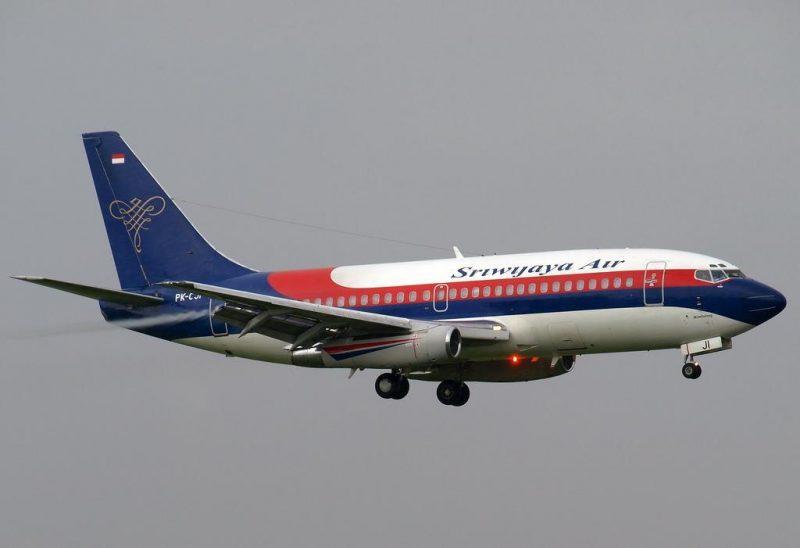 Pesawat Sriwijaya saat lepas landas diudara.