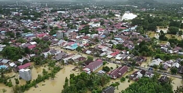 Ribuan rumah warga di HST direndam banjir.
