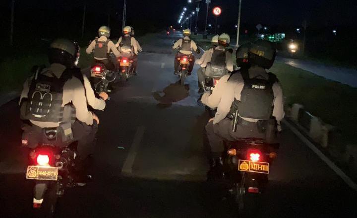 Tim Rainmas Back Bone Ditsamapta Polda Kalimantan Tengah melakukan patroli, Minggu (21/2/2021) Sore. mengantisipasi balapan liar. Foto : Am