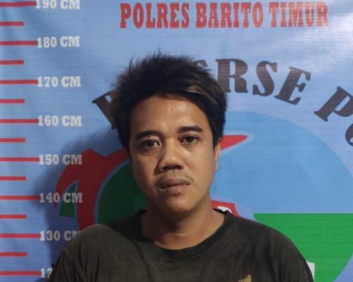 Tersangka saat diamankan di Mapolres Bartim, Selasa (9/2).