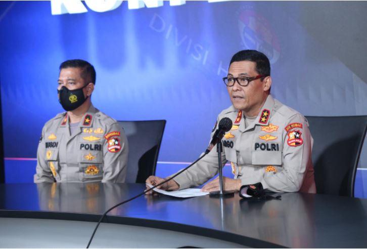 Kadiv Humas Mabes Polri, Irjen. Pol. Raden Prabowo Argo Yuwono, saat memberikan keterangan resmi, Minggu (28/3).