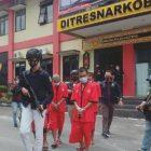 Tiga pelaku saat diamankan di Mapolda Kalteng, Kamis (15/4).