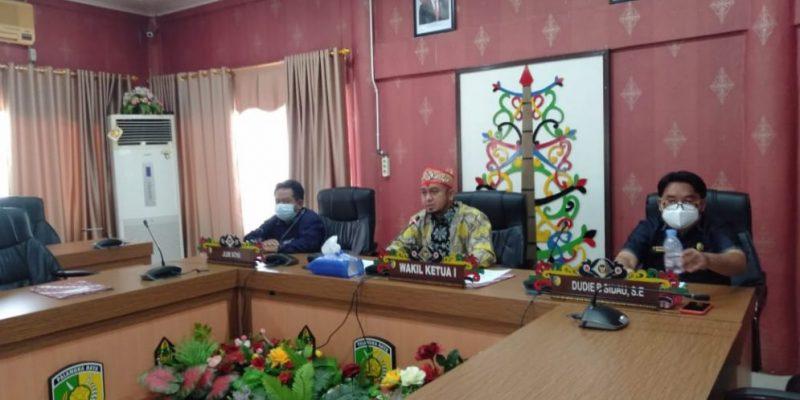 Rapat Paripurna DPRD Kota Palangka Raya secara virtual, Jumat (16/4).