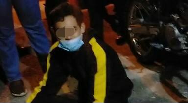 Seorang remaja saat diamankan anggota.