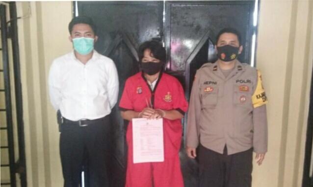 Pelaku saat diamankan di Mapolda Kalteng, Selasa (8/6).